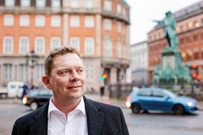 """""""I dag er det kundene som driver den digitale utviklingen, og vi må henge med dersom vi fortsatt vil ha fornøyde kunder"""", sier Claus Bjerre, utviklingsdirektør (Senior Vice President) i Danske Bank."""