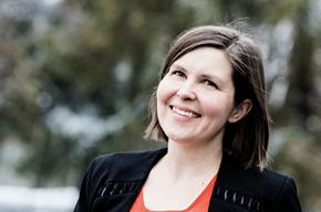 """OK Perintä har brukt PostNord Strålfors som leverandør i snart et år. Overgangen gikk fint.  """"Vi kunne flytte filene rett over i PostNord Strålfors' system"""", sier Jennie Flink, som er  OK Perintäs operative direktør."""