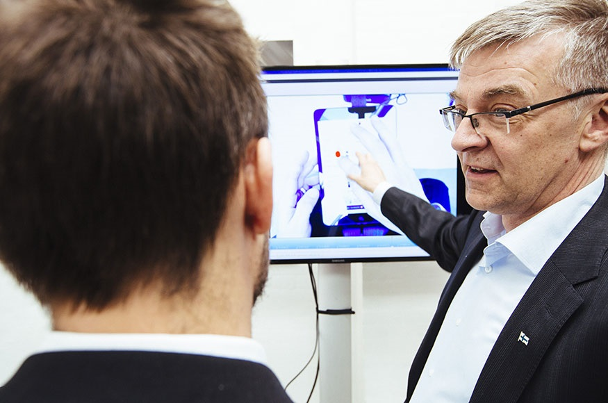 Pekka_Suomi-eyetracking-Smarter_Communication_Day_2014-Stralfors-VNN-875x580.jpg