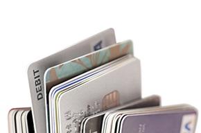 Vi leverer årlig cirka 60 millioner kort til hele verden.